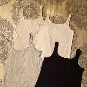 Set of 4 gap favorite tanks